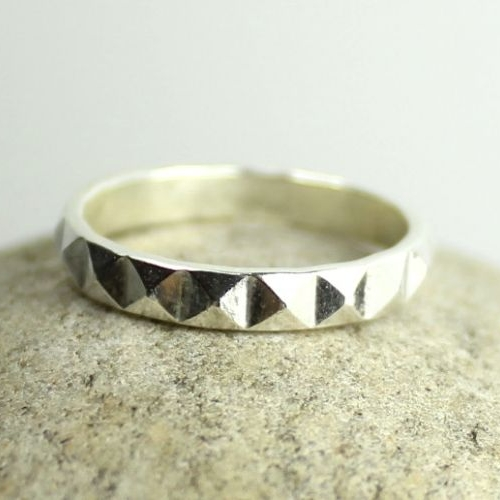 Pyramid Band Ring